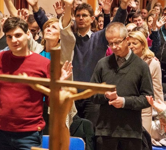 Transmisja Spotkania Mocnych w Duchu – poniedziałki 19:00