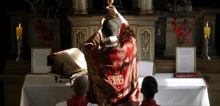 Msza św. w nadzwyczajnym rycie rzymskim tzw. Msza św. Trydencka w trzecią sobotę miesiąca o godz. 15:00