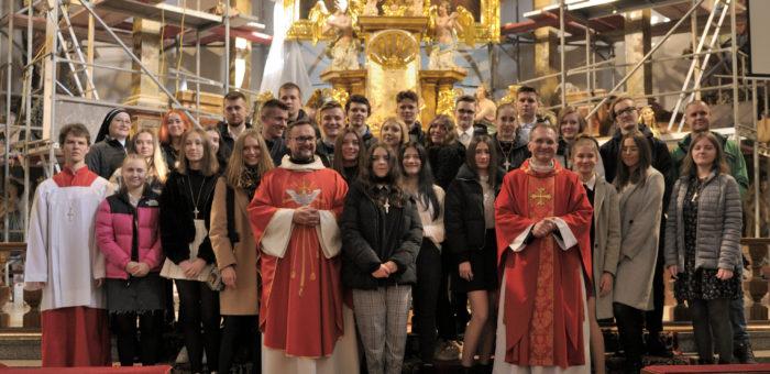Bierzmowanie w parafii (18.10.2020) Relacja FOTO